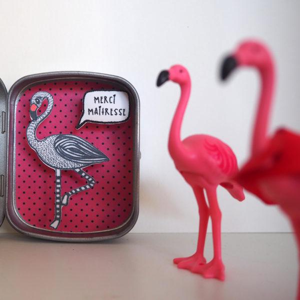 boite reconfort flamingo rose merci maitresse 600x599 - Boite Réconfort Minute Flamant