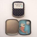 boite reconfort sardine jetaime interieur exterieur 150x150 - Boite Réconfort Minute Sardine Je T'aime