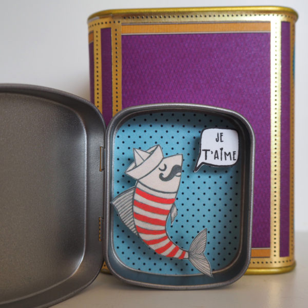 boite reconfort sardine jetaime 600x600 - Boite Réconfort Minute Sardine Je T'aime